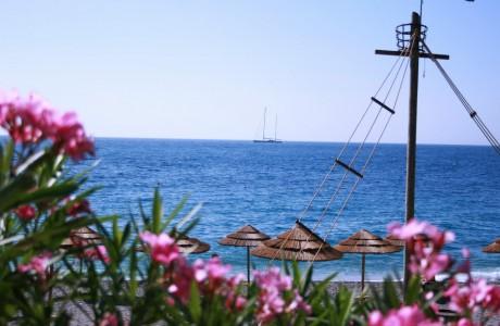 spiaggia-privata-syrah-blu
